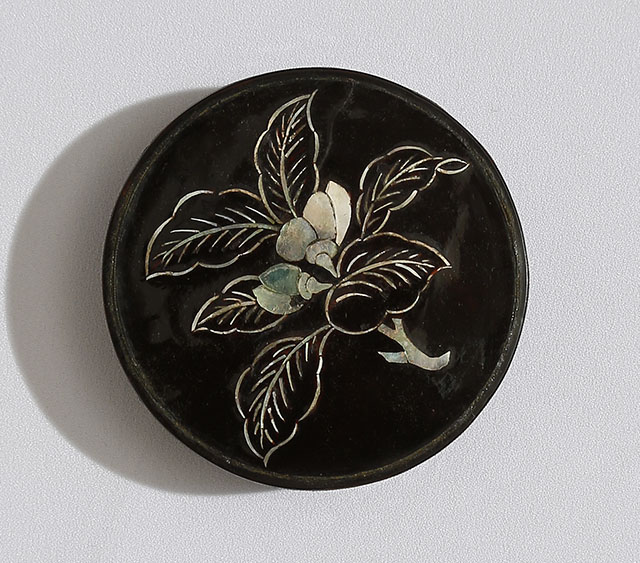 Chinese Incence Box with mother-of-pearl inlay